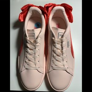 Puma basket with red bow size 6